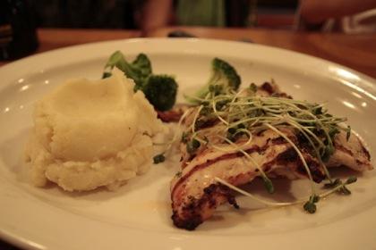 肉とマッシュポテト
