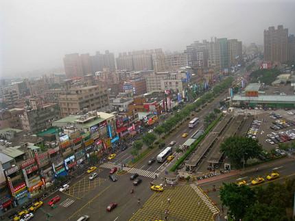 800px-Chang-Gung_Shopping_District